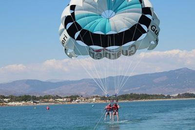 paracaídas acuatico